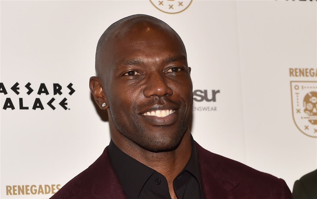 Terrell Owens worked out in front of Browns