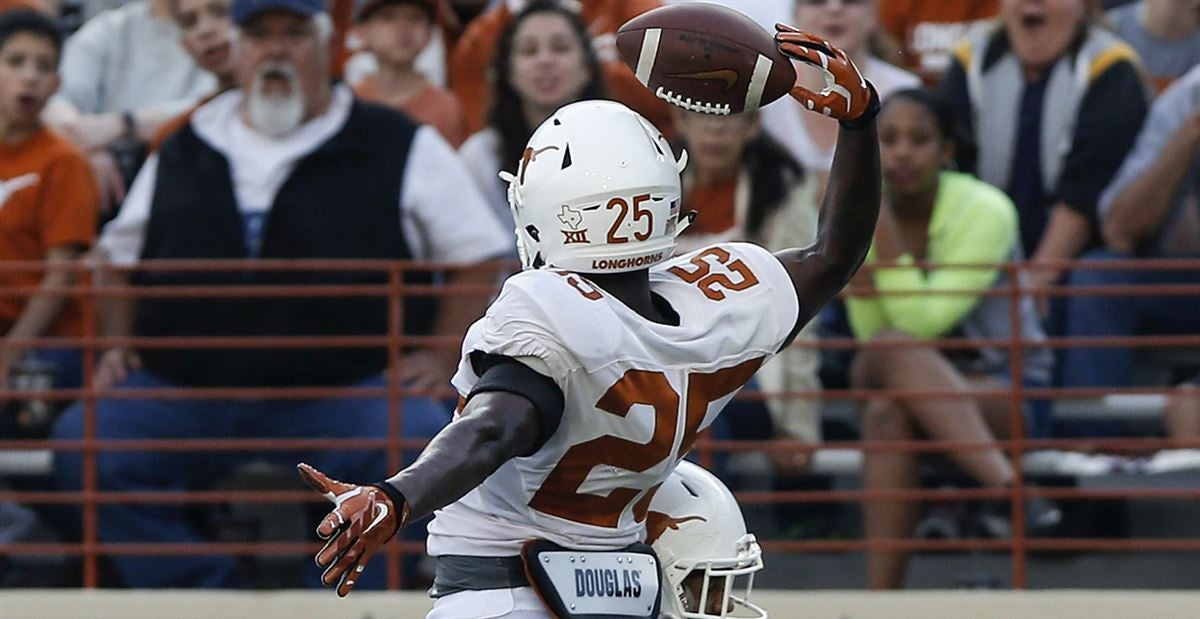 Jersey numbers unveiled for Texas newcomers on defense