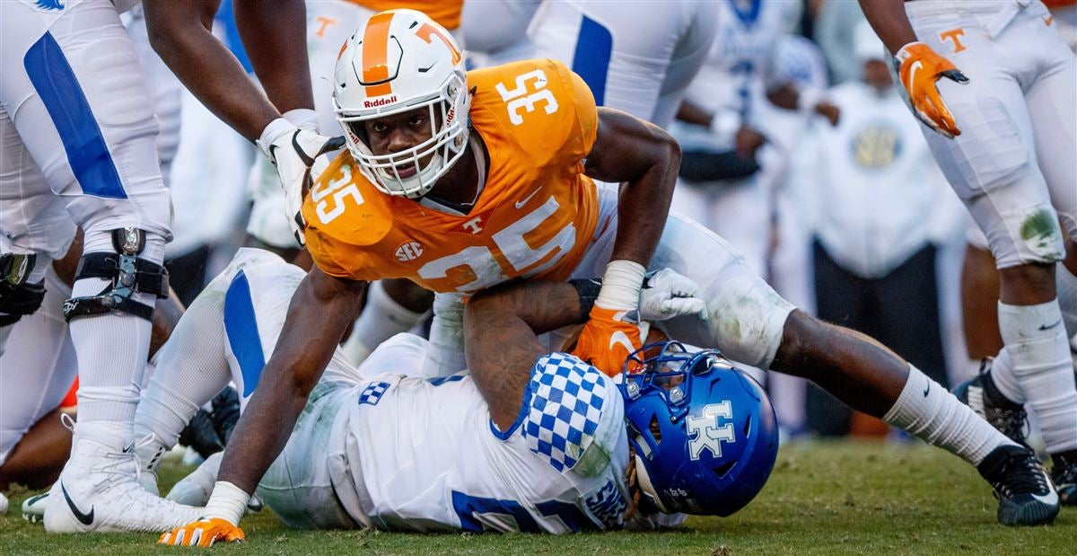 a2f7e1b4 Tennessee's 2019 Offseason Outlook: Inside linebacker
