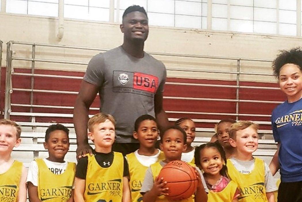 quality design fb2a4 31a6e Zion Williamson surprises youth league in North Carolina