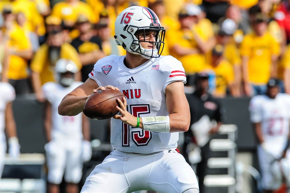 finest selection 6ee13 0d796 Know Your Foe: Looking at the Northern Illinois Huskies