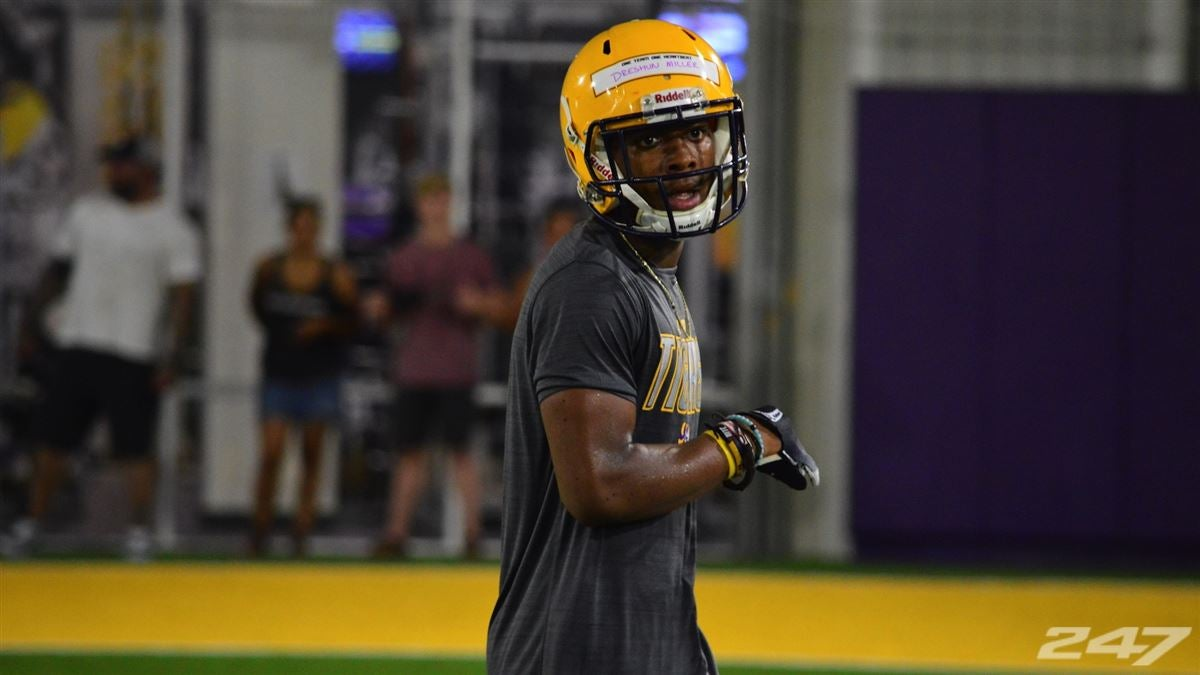 UK offers Junior College prospects including LSU commit