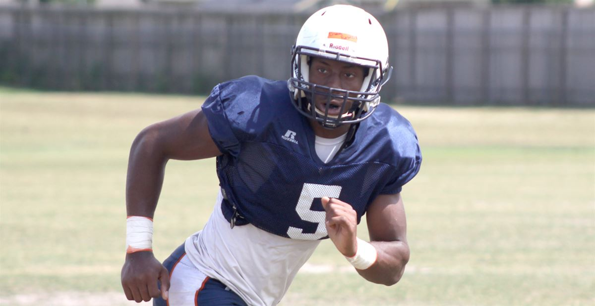 Pass rusher Ugwoegbu enjoys A&M visit, says it feels like family