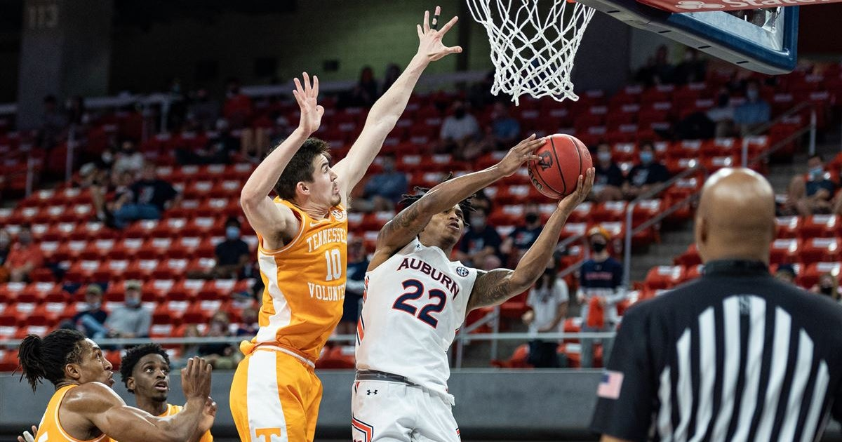 Auburn Basketball Notes: Pearl expecting major challenge in Tuscaloosa