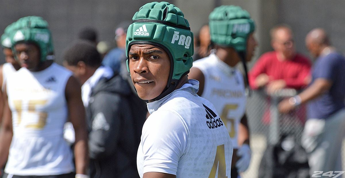'20 WR Gary Bryant has several Pac-12 schools on him hard