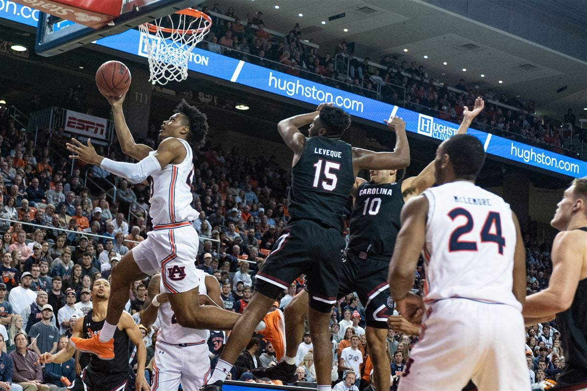 Auburn basketball freshman Isaac Okoro earning respect