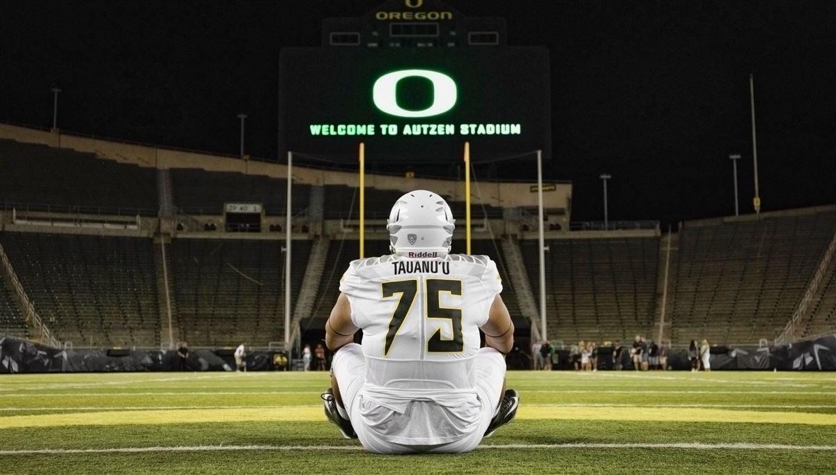 QUAAAACK: 4-star lineman Jonah Tauanu'u commits to Oregon
