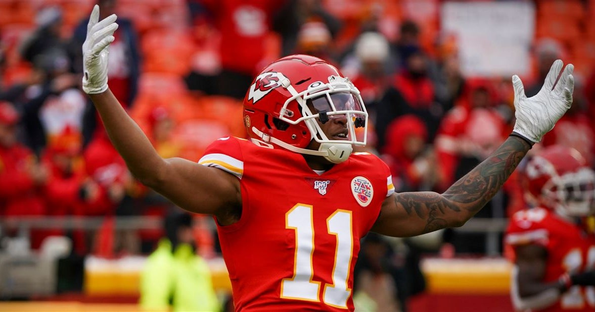 Chiefs sign Demarcus Robinson to one-year deal