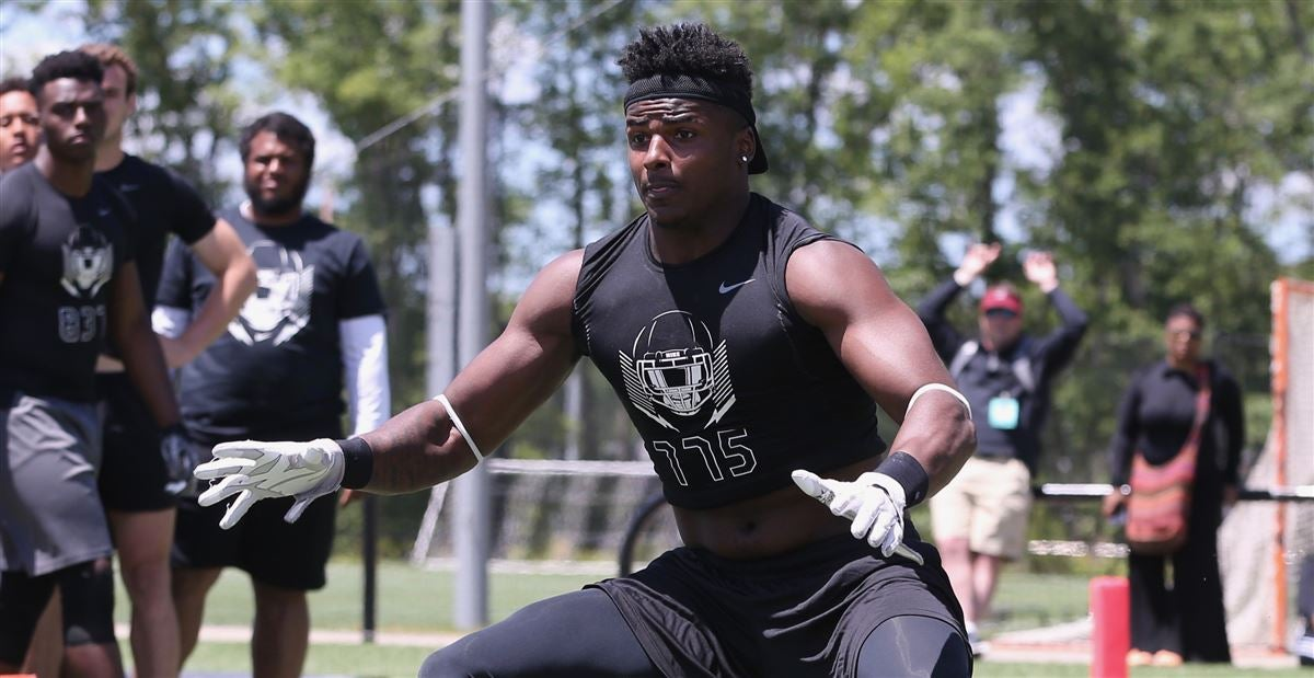 Xavier Peters will play defensive end at FSU