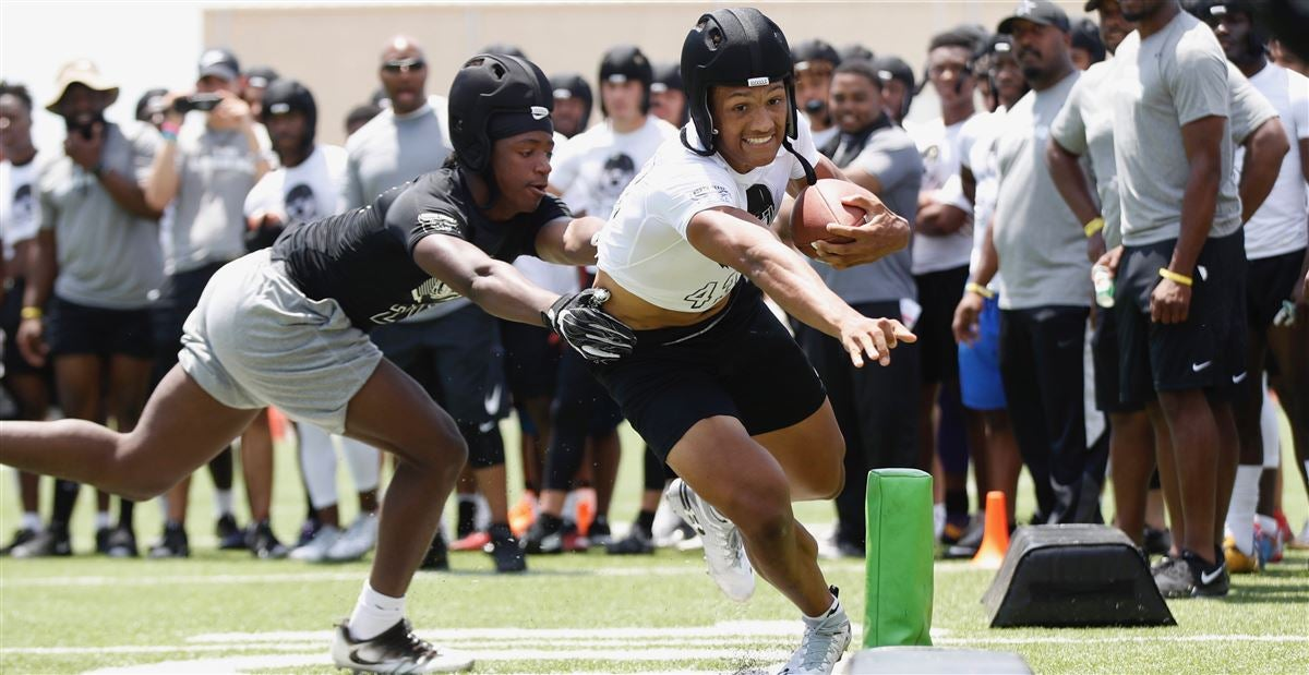 2020 RB, A&M target Seth McGowan OK with 'being the anomaly'