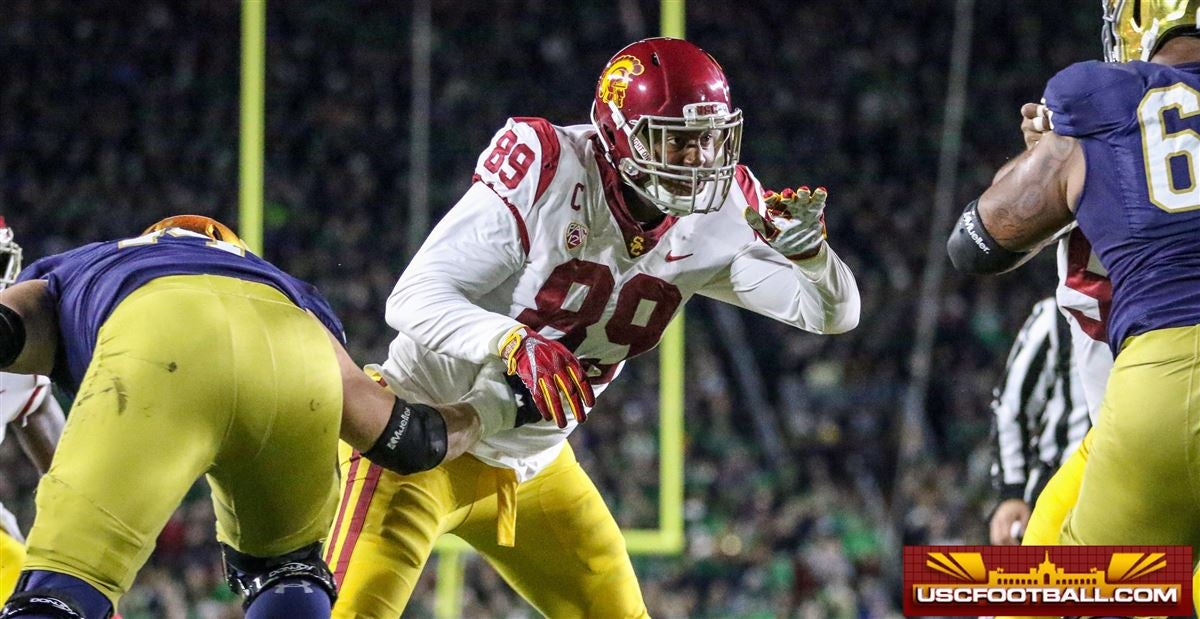 Tunnel Vision - USC Loses Close One at Notre Dame