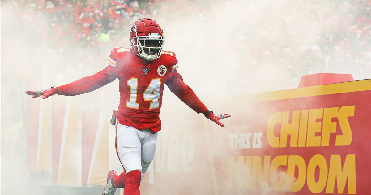 Schefter explains why Chiefs restructured Watkins' contract