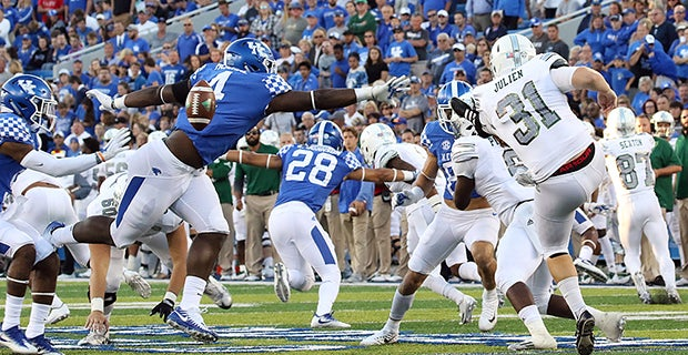Josh Paschal named SEC Special Teams Player of the Week