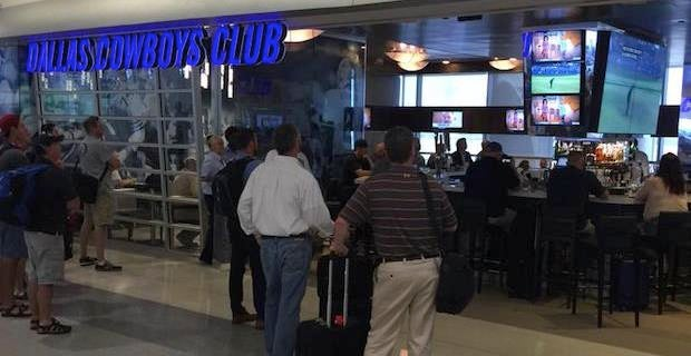 Dallas Cowboys Themed Restaurant Opens At Dfw Airport