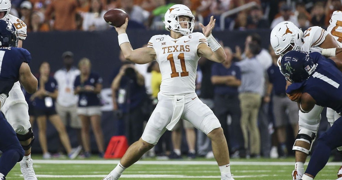 Texas stays put at No. 12 upon latest release of AP Top 25