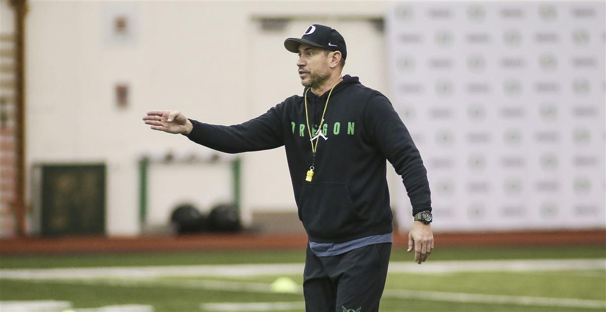 Players, media react to Oregon OC Marcus Arroyo taking UNLV job