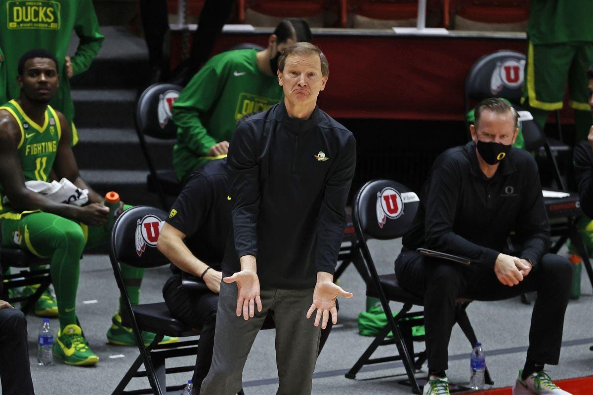 Oregon men's basketball on pause