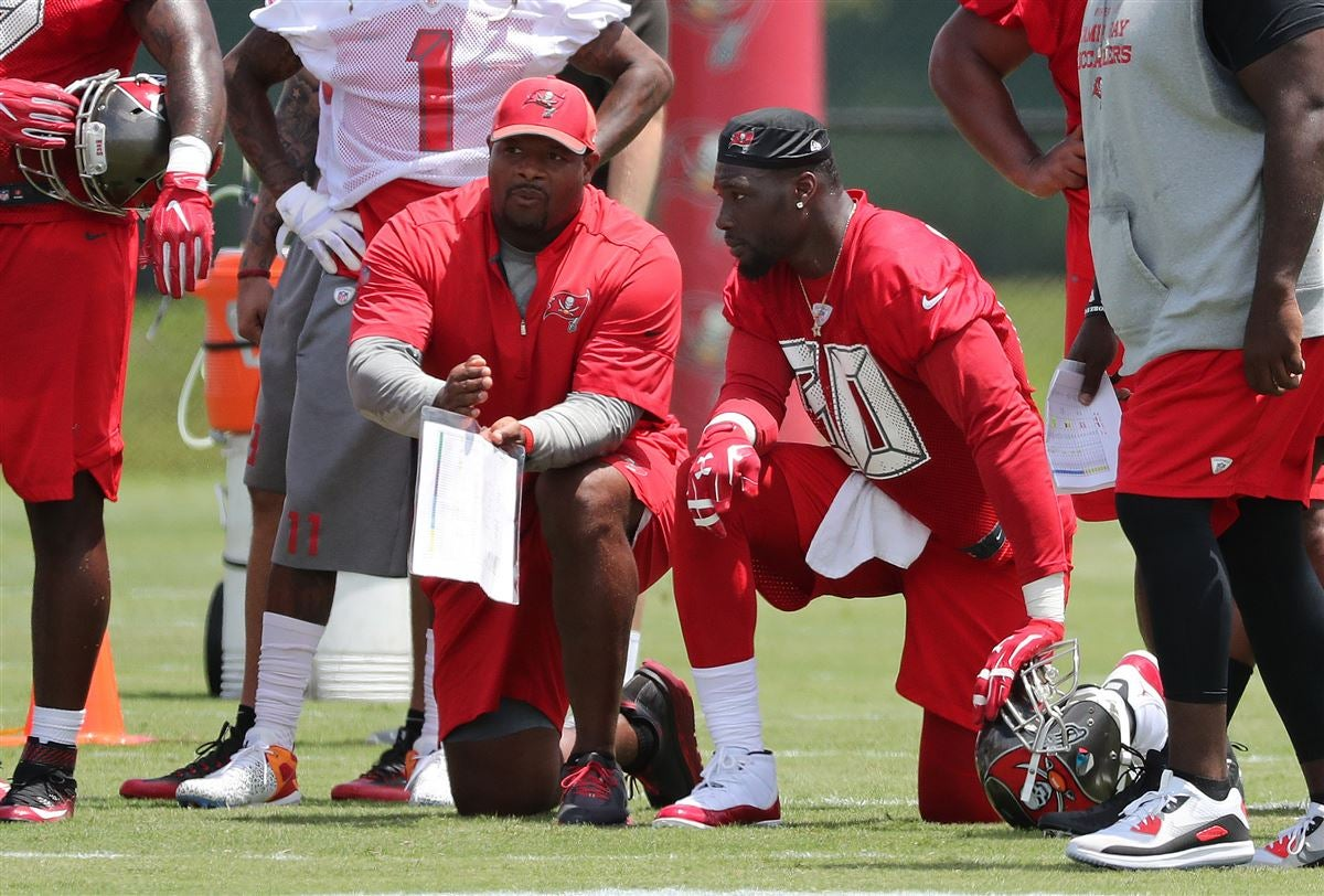 the best attitude cf020 b6dd2 Jason Pierre-Paul reports to Buccaneers for minicamp