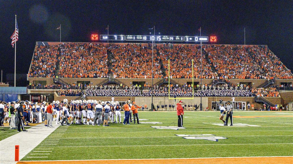 Illini students show out for primetime: 'It was electric'