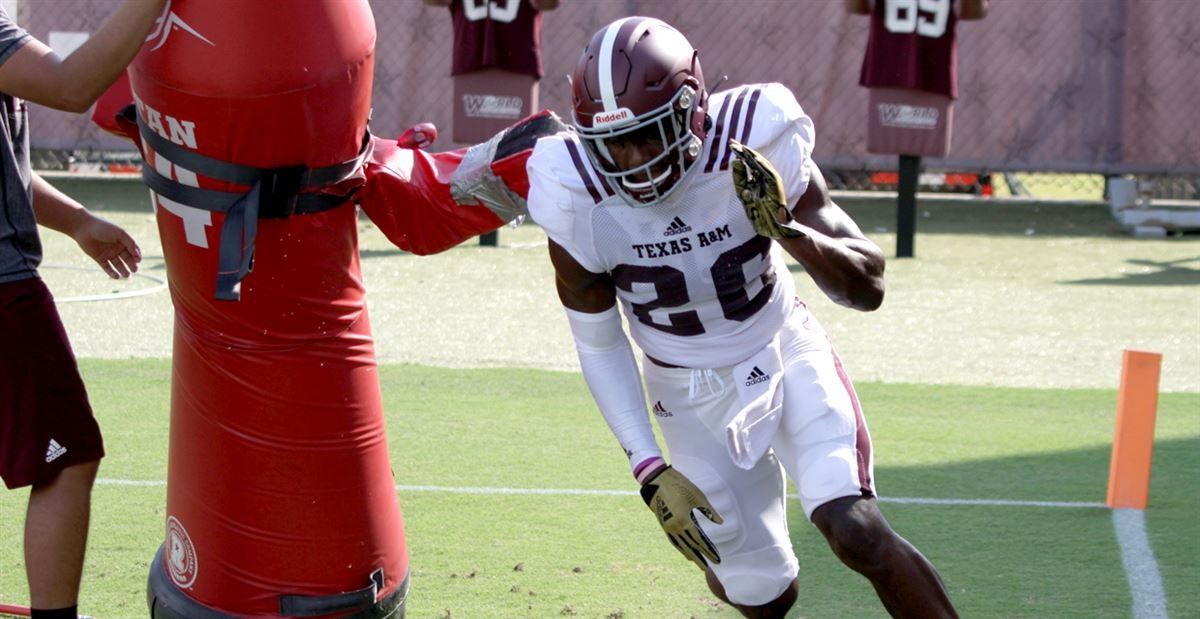 Scenes from Aggieland: A&M in full pads
