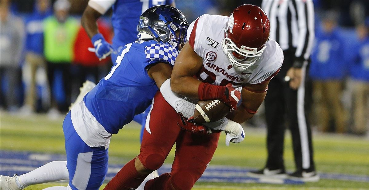 Opinion: Hogs blow big opportunity in Lexington, 24-20