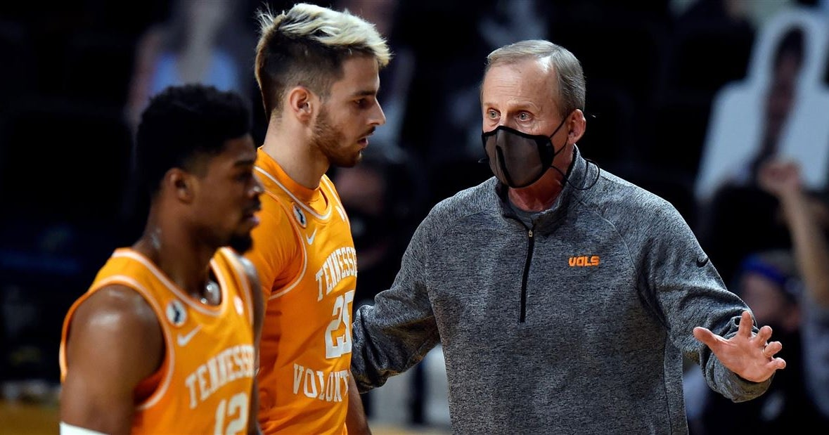 'Those things can't happen': Breakdowns hurting Vols' 3-point defense