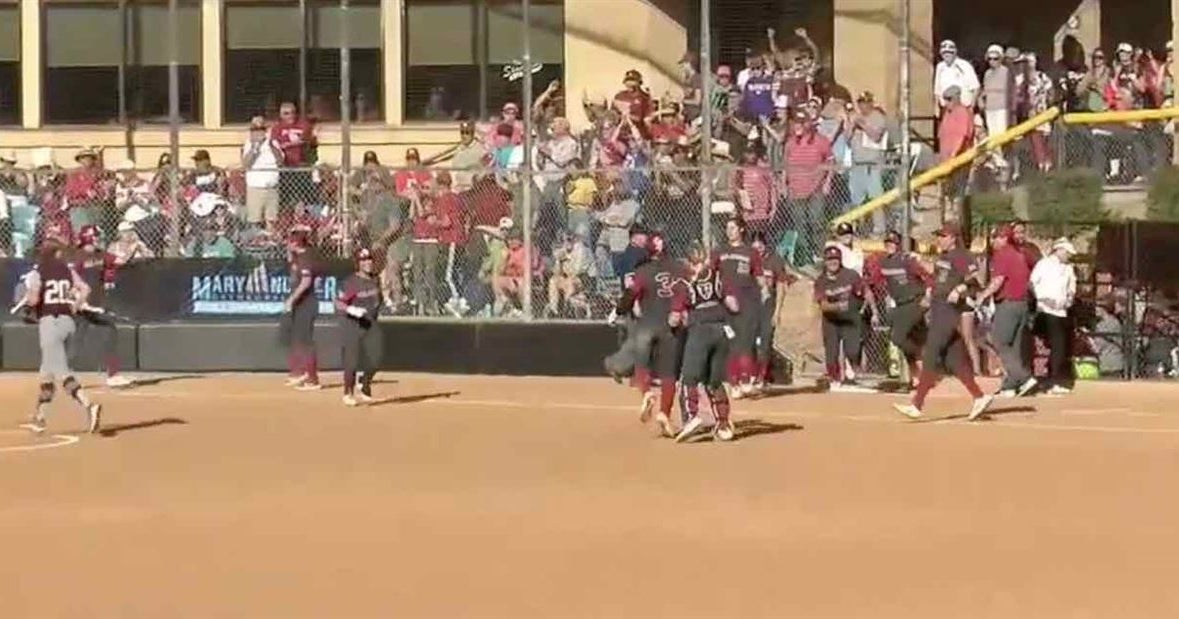OU walks off Texas A&M 2-1 in pitchers' duel
