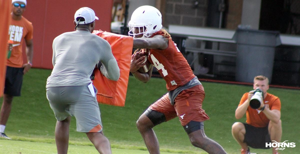 In Focus: Texas offense puts in work in fall camp