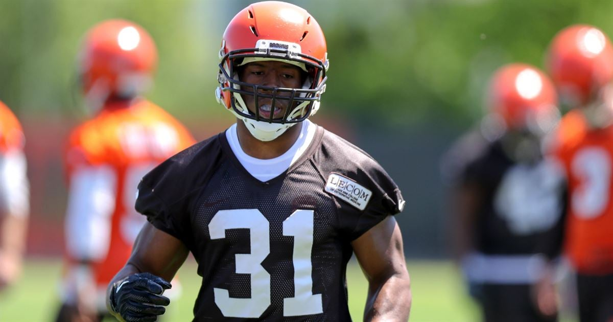 Browns officially sign second-round pick RB Nick Chubb to ...