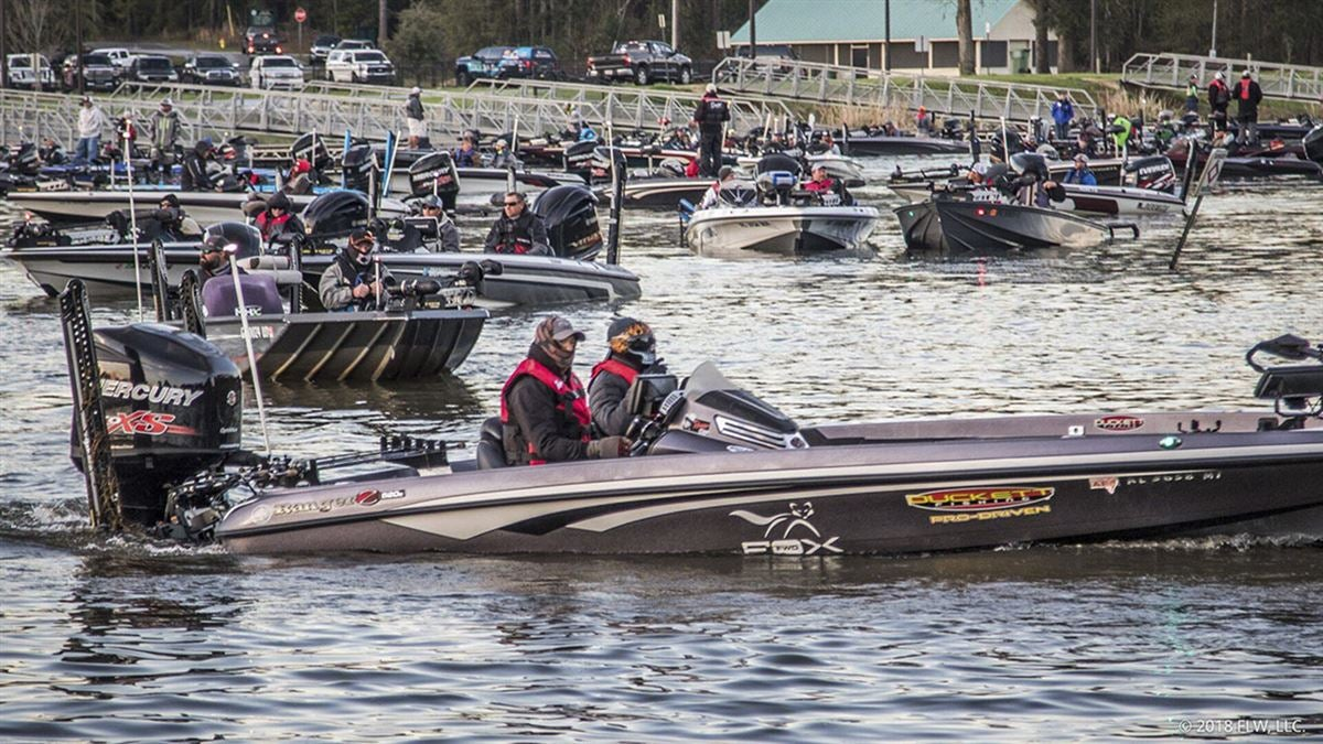 Two boat accident at costa flw series on lake seminole for Lake seminole fishing