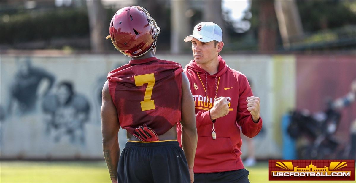 WATCH: Bryan Ellis' take on the USC quarterback competition