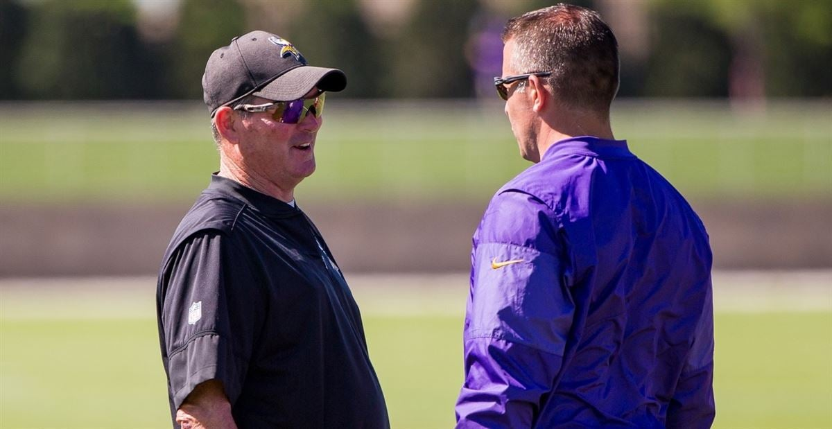 Zimmer helps DeFilippo adjust for successful play-calling