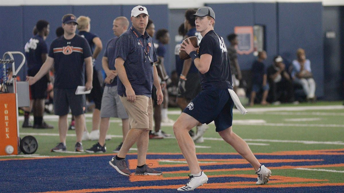 Auburn One Of The Early Favorites For 2021 Quarterback