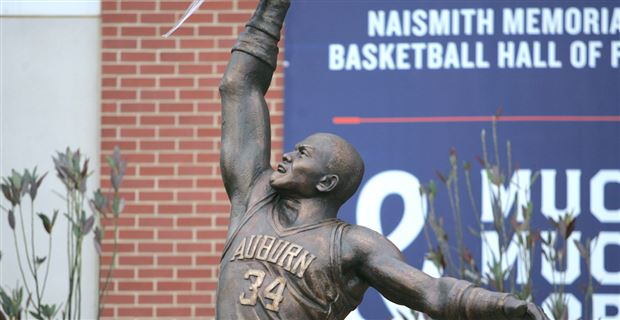 Photos Charles Barkley Statue Unveiled Outside Auburn Arena