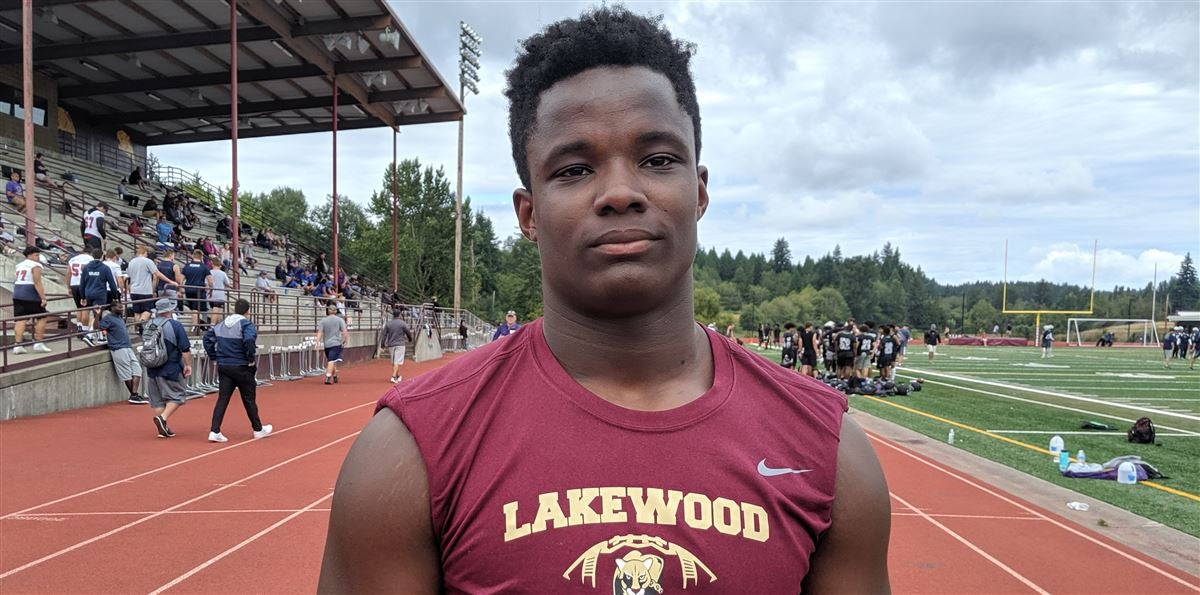 Washington DL Jakobus Seth has Pac-12 school standing out