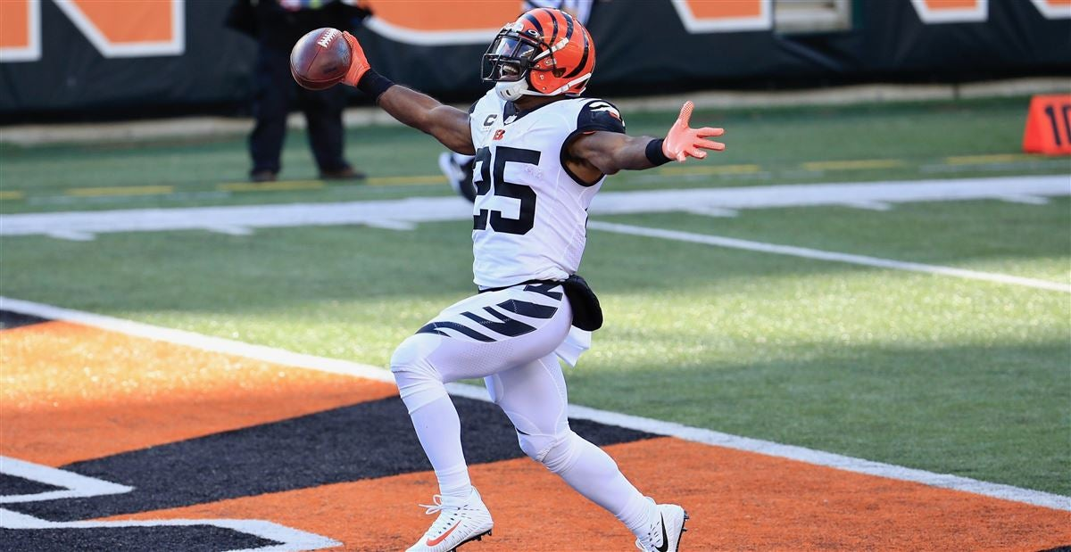 Tracking Former UNC Players in the NFL - Week Eight