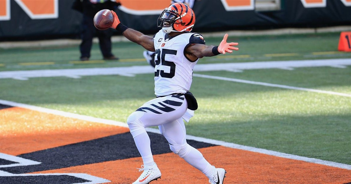 Giovani Bernard reflects on signing with Tampa Bay Buccaneers