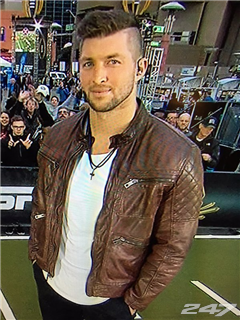 Superb Photos Tim Tebow39S Not Exactly A Fashionista Short Hairstyles For Black Women Fulllsitofus