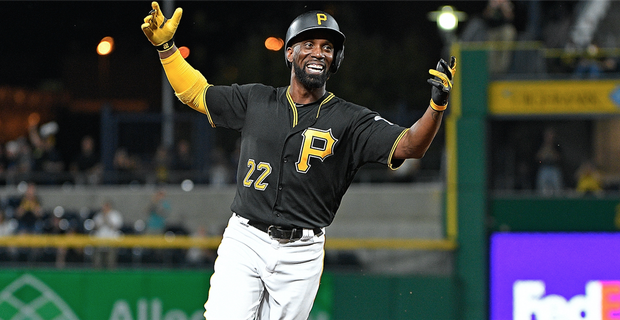 the latest 93f27 8a796 Giants trade Andrew McCutchen to Yankees