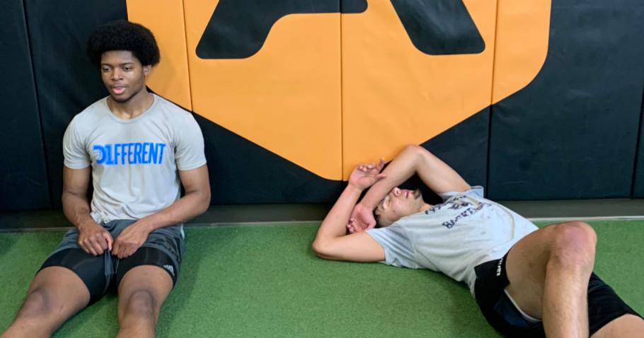 Video: Kerwin Walton Trains With Dawson Garcia