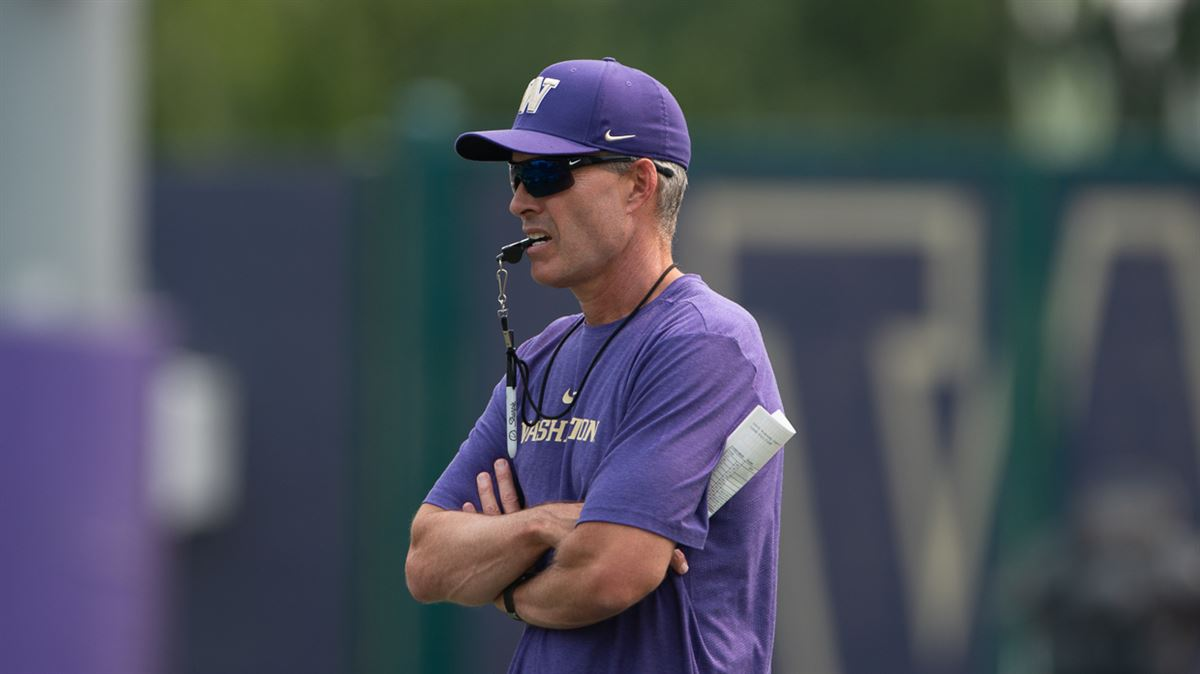 Washington's Chris Petersen never fully satisfied during camp
