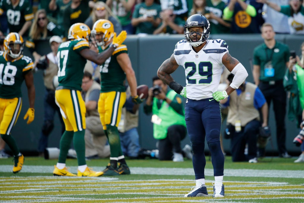 Report: Earl Thomas fines up to $1.239 million for holdout