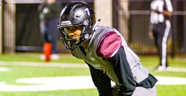Texas CB thrilled with offer from 'powerhouse' Notre Dame