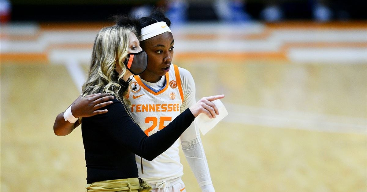 Lady Vols Coach Kellie Harper chats with media