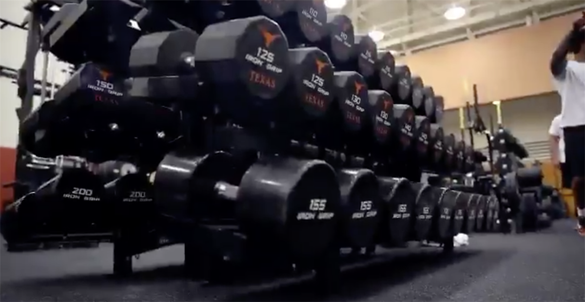 Watch: Texas football puts in work in the weight room