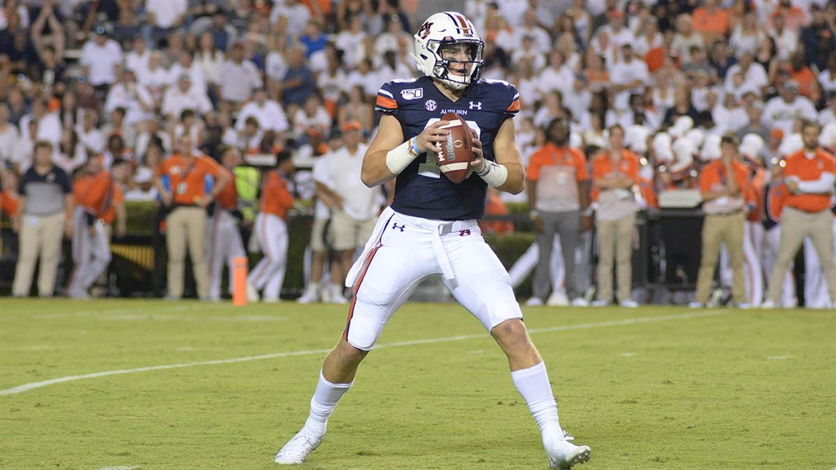 Kickoff time, TV set for Ole Miss at Auburn