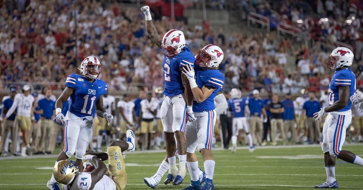 SMU moves up to inside Top 20 in AP Top 25 Poll