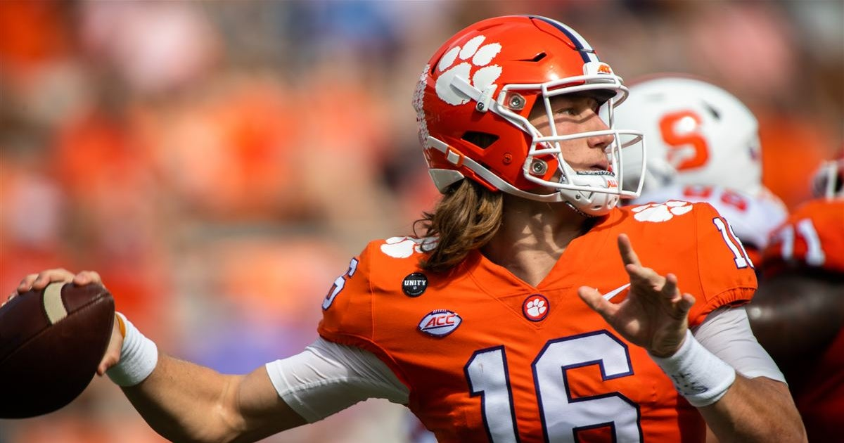 Trevor Lawrence walks back comments about turning pro in 2021
