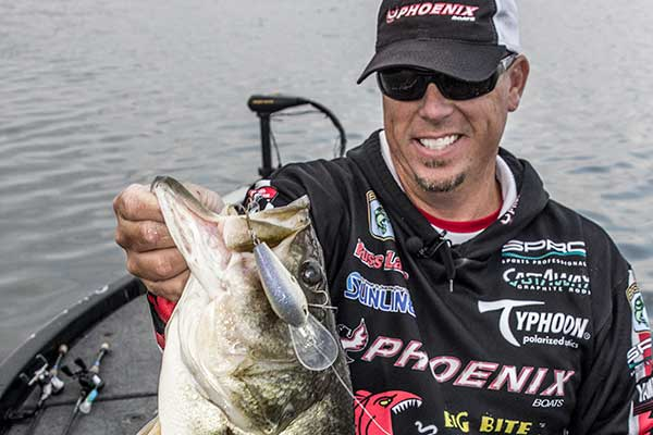 9-Pound Bass Crushes Deep Diving Crankbait on Film