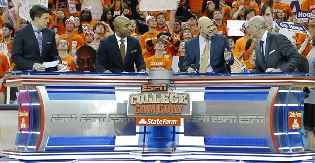 college football scores today cbs where is college gameday